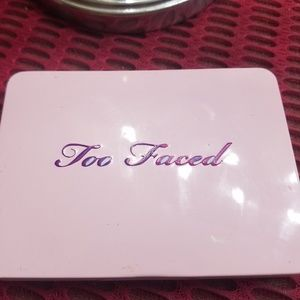 Too Faced eyeshadow pallet